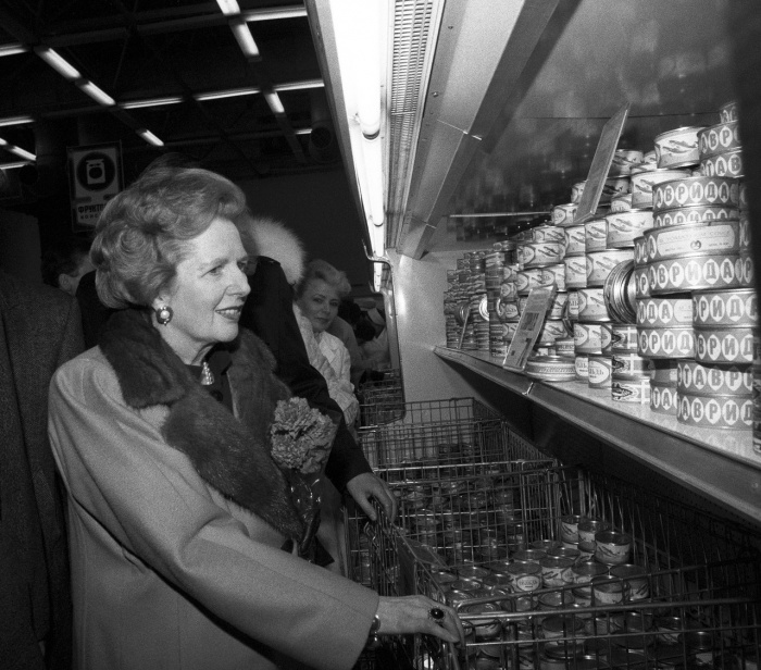 Маргарет Тэтчер в магазине «Диета» в Крылатском.  Москва, 1987 год.