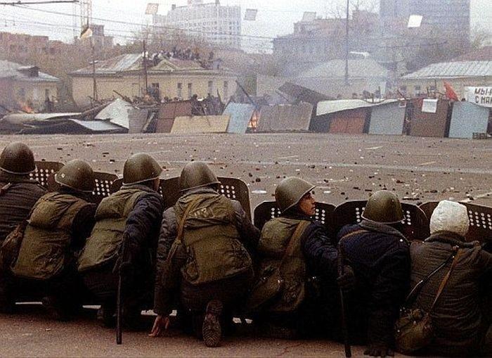 Столкновения во время акций протеста.