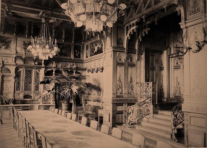 Большой стол в столовой. Беловежская пуща, императорский охотничий дворец, 1894 год.