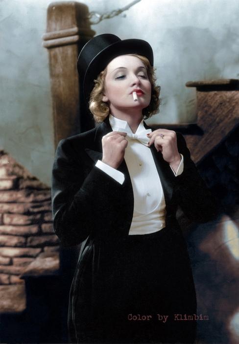 Марлен Дитрих в фильме «Марокко» в 1930 году.