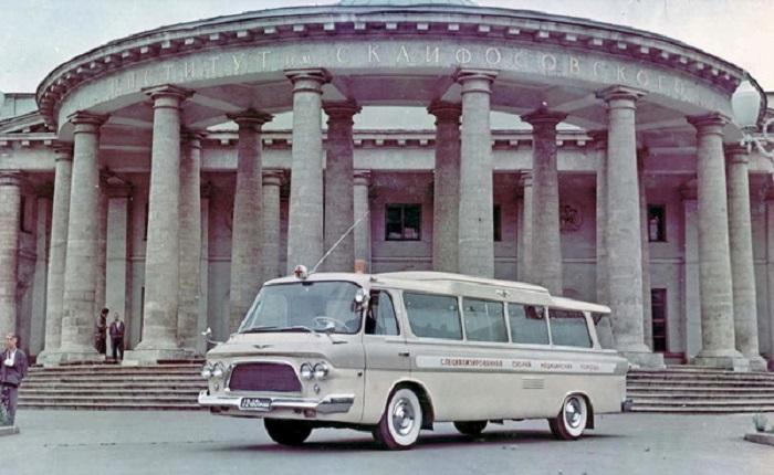 Вариант скорой помощи на базе ЗИЛ-118 в 1965 году.