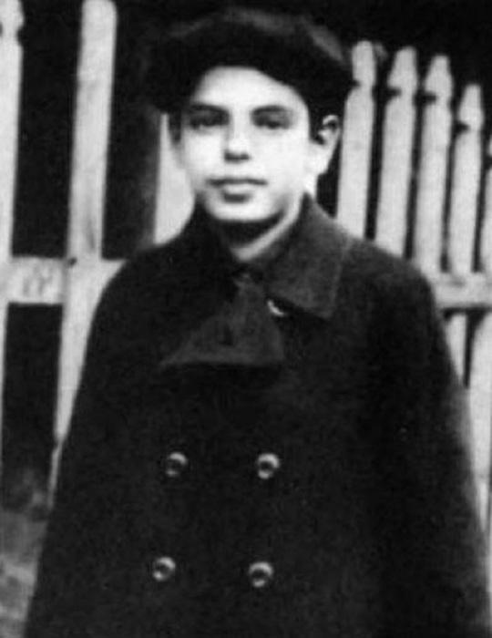 Единственная сохранившаяся детская фотография Аркадия Райкина. Рыбинск, 1920 год.