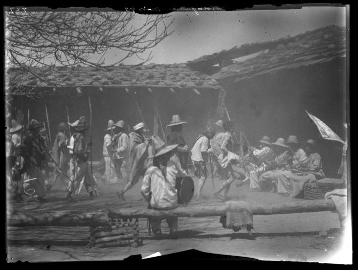 Церемония, Баборигам. 1893 год. Фотография Карла Люмхольтца.