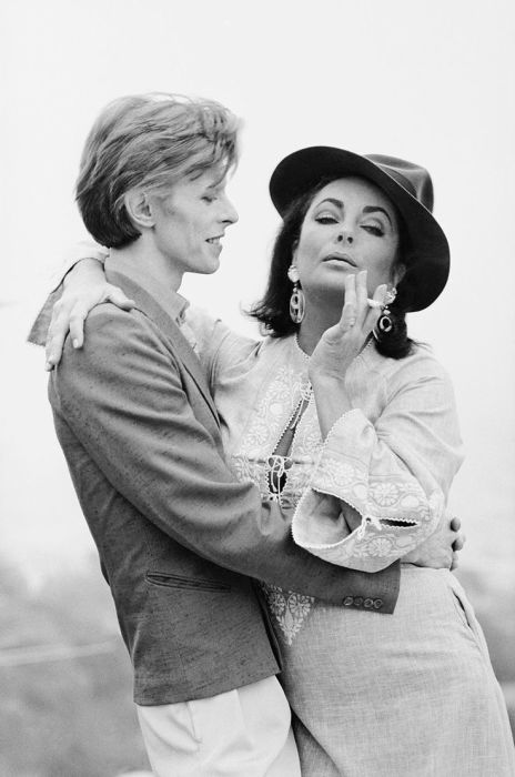 Дэвид Боуи и Элизабет Тейлор. Беверли-Хиллз, 1975 год.