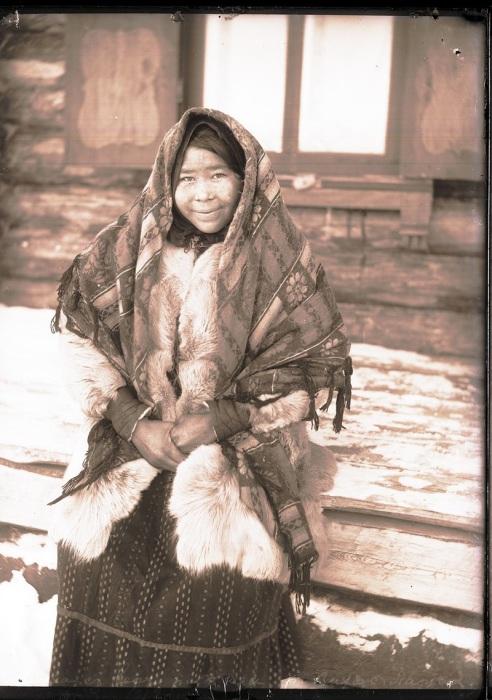 Остячка с верховьев реки Таз. Ханты-Мансийский автономный округ, Нижневартовский район, село Ларьяк, 1912 год.