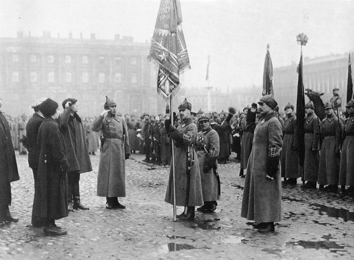 Принятие просвещенцами командования над войсками Петроградского округа. 1923 год.