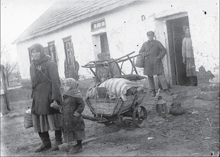 Переезд. Донецкой область, село Удачное, 1930 год.