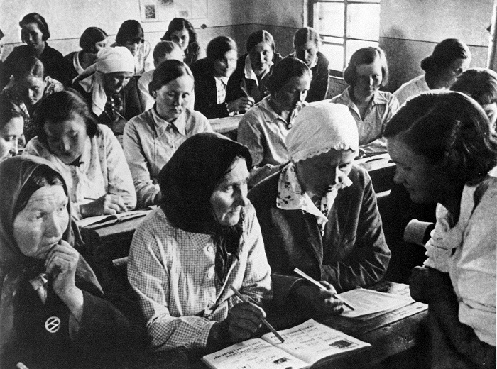 Школа ликбеза. СССР, 1931 год.