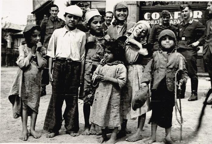 Во время Великой Отечественной войны было уничтожено 80 % всего цыганского населения. СССР, 1941 год.
