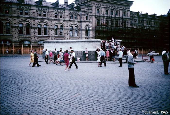 Лобное место на Красной площади. СССР, Москва, 1965 год.