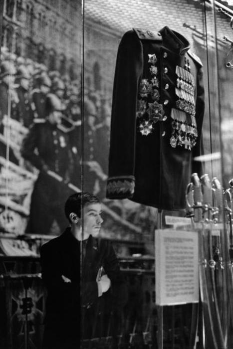 Маршальский китель в музее Советской Армии. СССР, Москва, 1972 год.