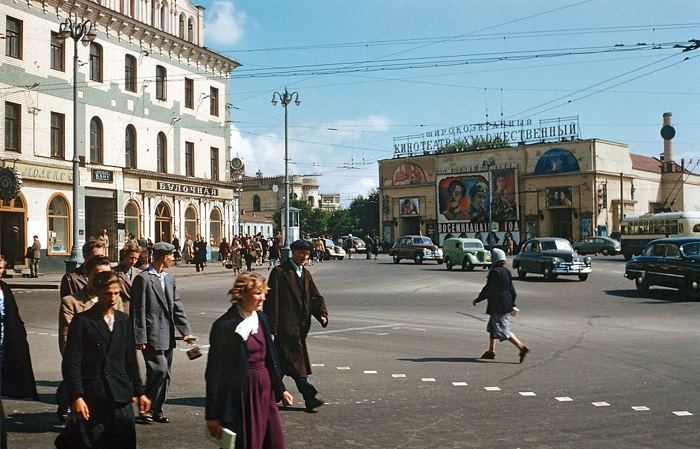 Коллекция фотографий, сделанных в 1960-е годы.