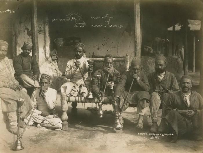 Карки индусы. Курильня. Бухара, середина 19 века.