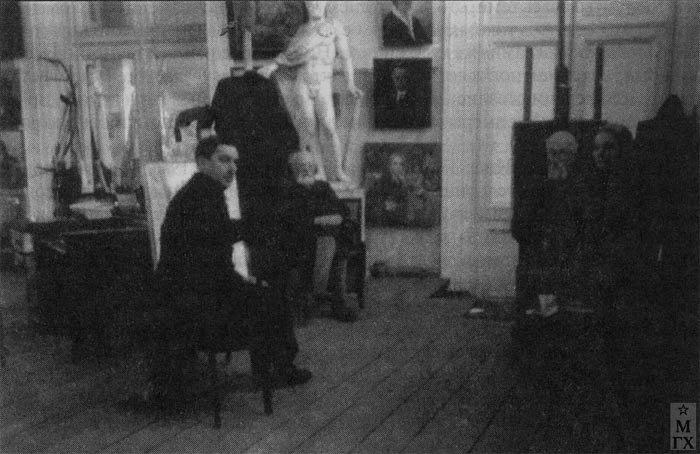 Мастерская Е. Кацмана, П. Радимова и С. Уншлихт в Кремле. 1920-е.