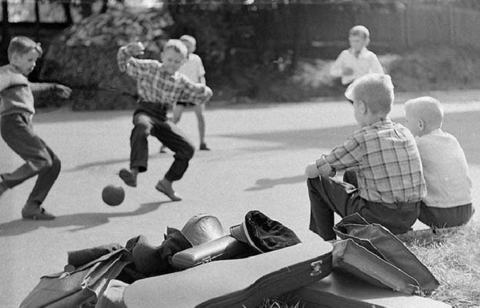 Атмосферные фотографии о жизни советских людей.