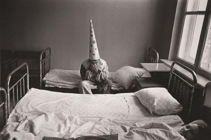 Новый год в психиатрической больнице. СССР, Москва, 1988 год. Фотограф: Павел Кривцов.