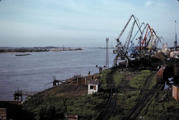 Краны речного порта. СССР, Омск, 1979 год.