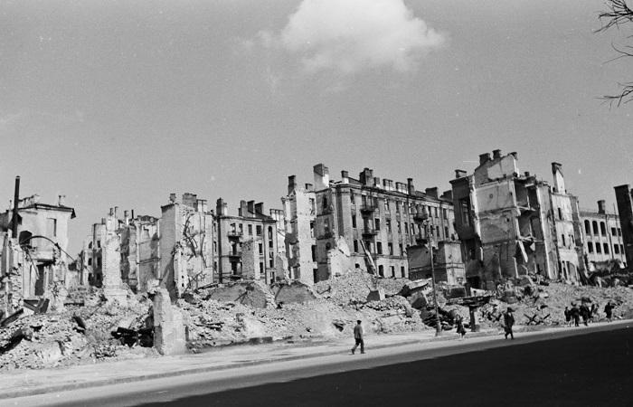Оккупированный Киев в объективе немецкого фотографа Герберта Листа.