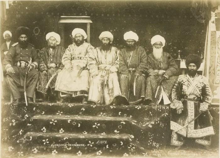 Бухарские сановники. Середина 19 века.