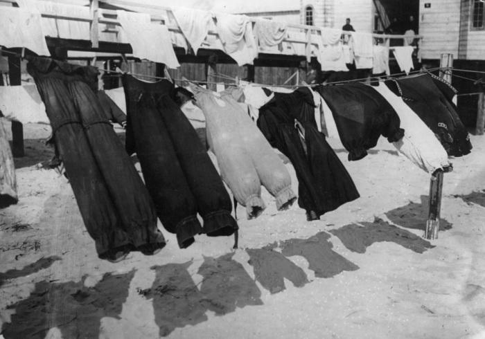 Купальные костюмы начала XX века.