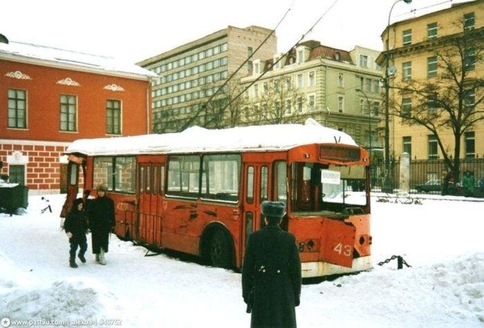 Троллейбус, который уже никогда не выйдет на маршрут.
