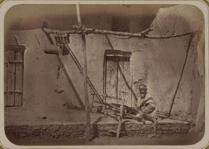 Ткацкий станок для изготовления ковриков. Средняя Азия, конец XIX века.