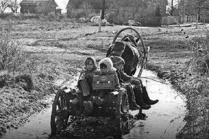 Архивные кадры из прошлого в первой половине XX века.