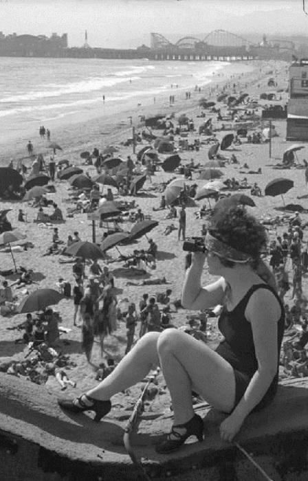 Венис Бич или пляж Венеция. Этот пляж признан лучшим пляжем города во всех рейтингах. США, Лос-Анджелес, 1920 год.