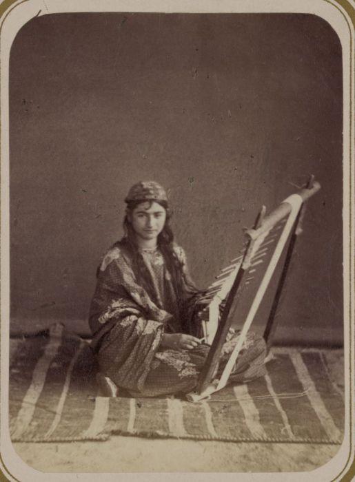 Плетение тесьмы. Средняя Азия, конец XIX века.