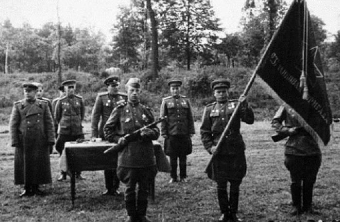 Уникальные ретро фотографии, сделанные в России в первой половине XX века.