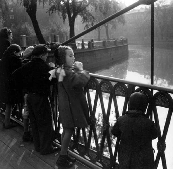 Из серии «Набережные Петербурга». СССР, Ленинград, 1957 год.
