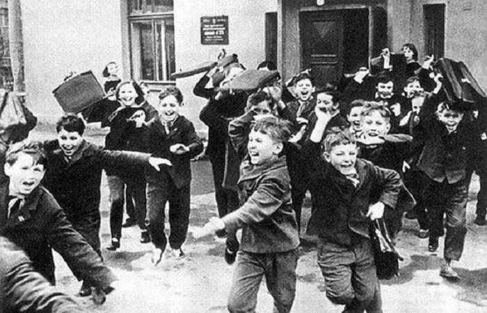 Фотографии из повседневной жизни советских граждан в объективах известных фотографов.