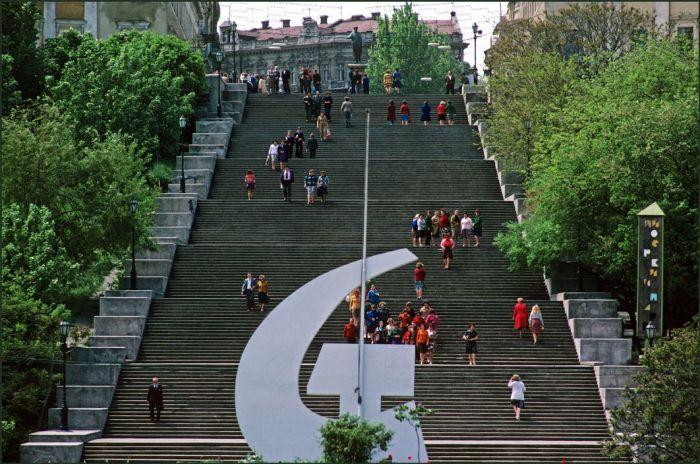 Знаменитая бульварная лестница, ведущая к морю в Одессе.