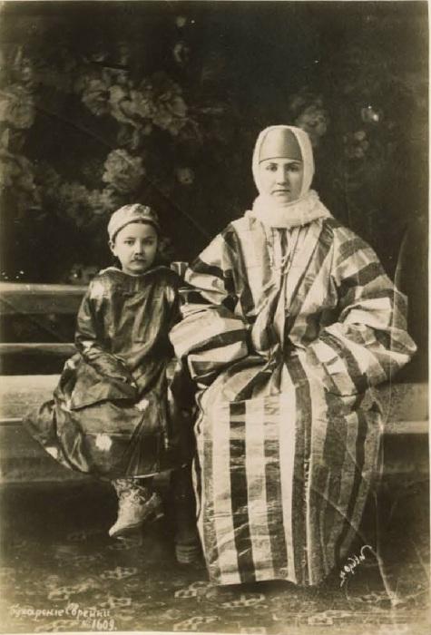 Бухарские еврейки. Середина 19 века.