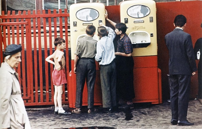 Интересная подборка колоритных фотографий, снятых в 1964 году.