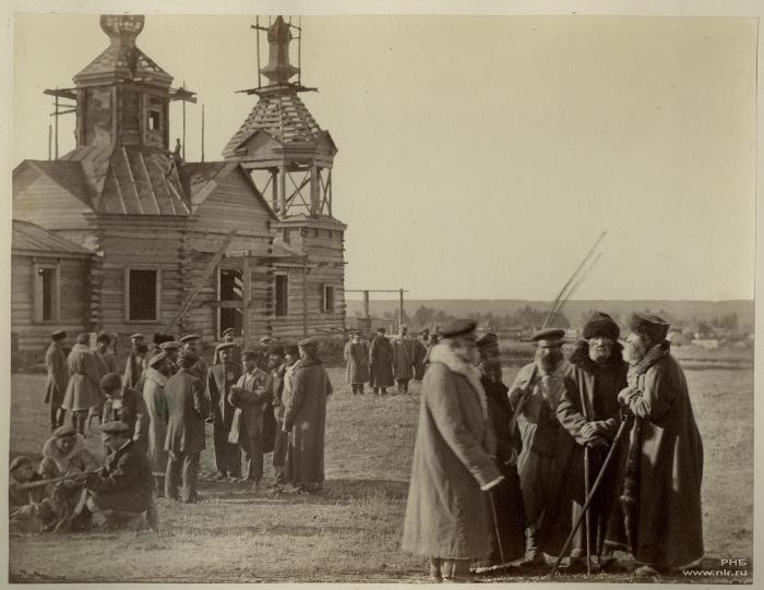Сбор казаков на хуторе Гнутовом Есауловской станции. 1875-1876 год.