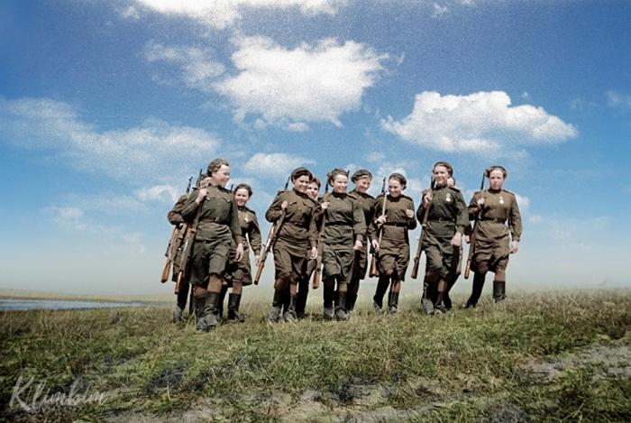 Женщины-снайперы 2-го Белорусского фронта.