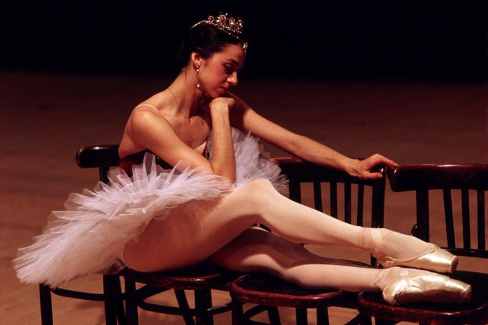 Балерина Нина Гедевановна во время отдыха. СССР, Москва, 1987 год.