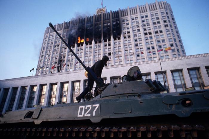 Штурм Белого Дома. Россия, Москва, 1993 год.