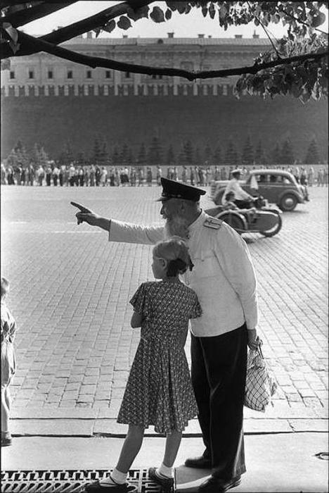Утро на Красной площади. СССР, Москва, 1954 год.