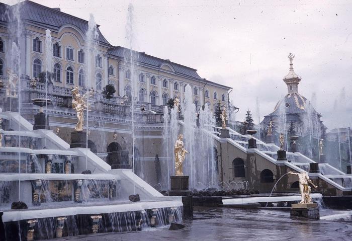 Вид на Большой каскад в парке Петергофского дворца. СССР, Ленинград, 1959 год.