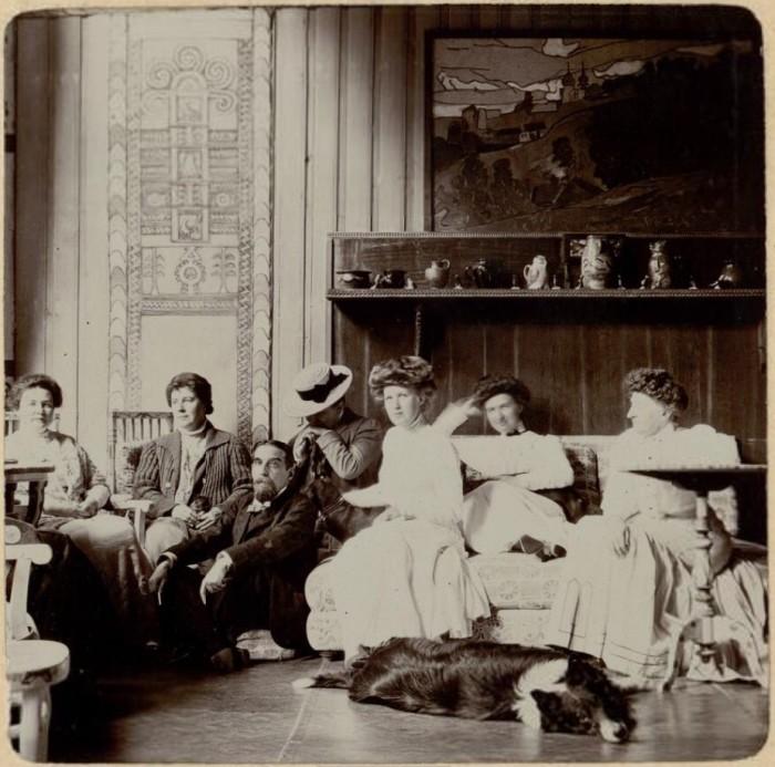 Групповой снимок.  Россия, село Талашкино, 1909 год.