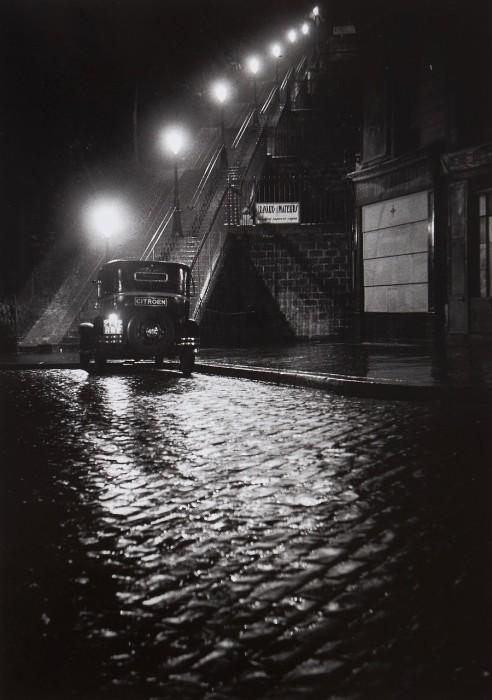 Одна из улиц в Центре Парижа в 1938 году.