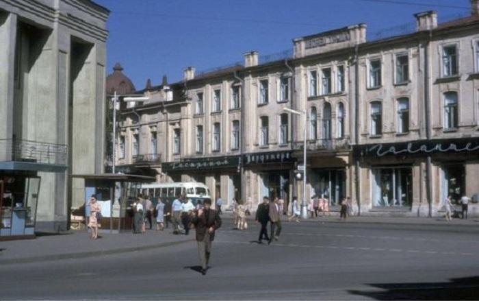 Перекресток улиц Ленина и Карла Маркса. СССР, Иркутск, 1964 год.