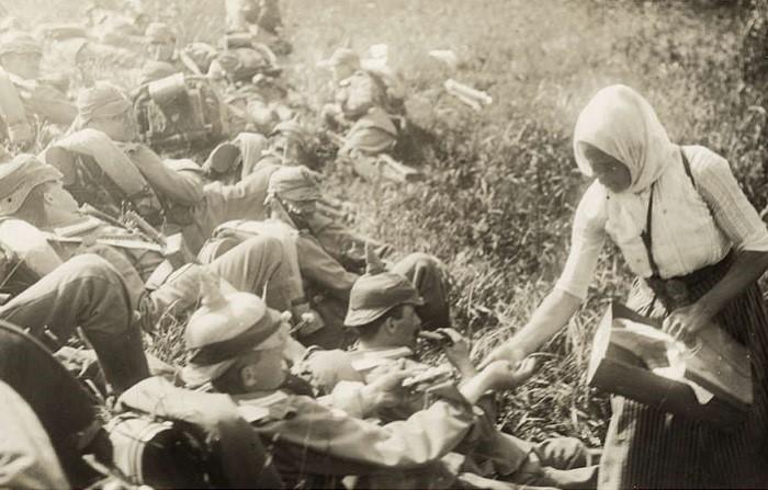 Уникальные фотографии, сделанные военными корреспондентами в 1915 году.