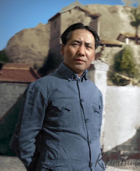 Портретный снимок Мао Цзэдуна.