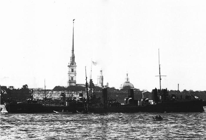 Миноносцы Доброволец и Пограничник, построенные на добровольные пожертвования. Россия, 1912 год.