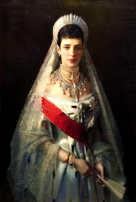 Портрет императрицы Марии Фёдоровны, который выполнил Иван Николаевич Крамской.