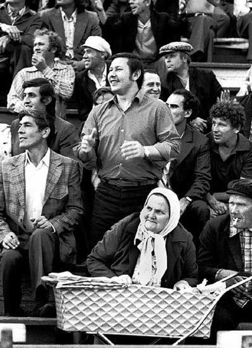 Уникальная фотография, сделанная на стадионе в 1950-е годы