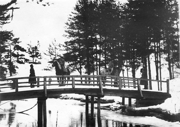 Пограничный пост бригады на мосту в 1908 году.